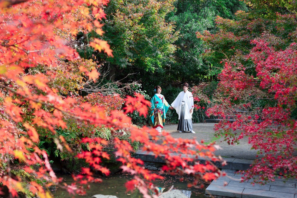 Inokashira Park offers beautiful scenery in all areas! — Photo by KIKI Wedding