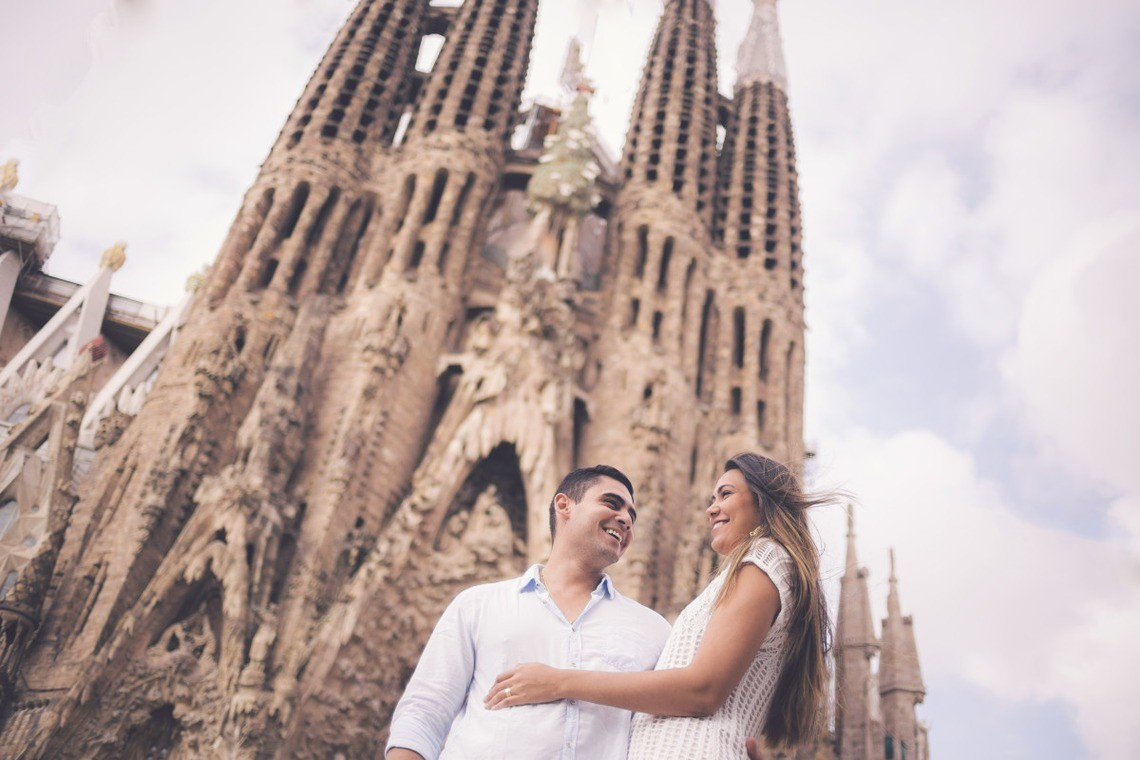 Couple enjoying Spain — Photo by La Cristina Fotografia